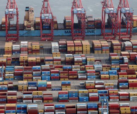 Estados Unidos y China asfixian al mundo con sus guerras comerciales